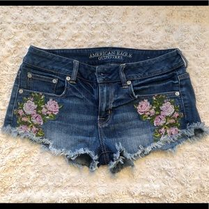 American Eagle embroidered shorts